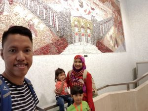 At islamic center RI di HK
